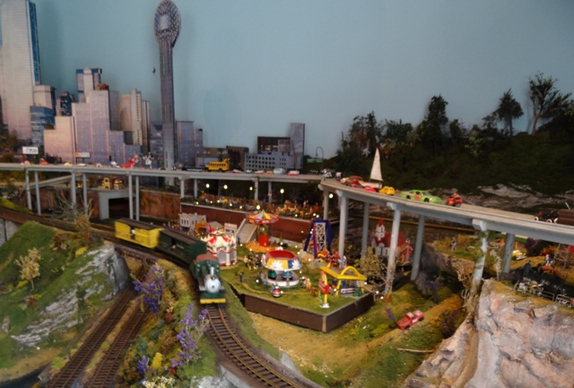 Children's Medical Center G gauge train layout